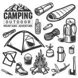 Располагаться лагерем и пешие символы оборудования Стоковые Фото