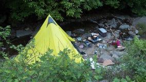 Располагаясь лагерем шатер типи Стоковые Изображения
