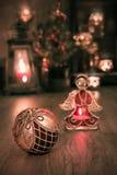 Расположение рождества с свечами на винтажной кухне Стоковые Фотографии RF
