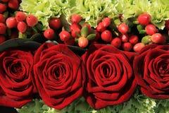 Расположение свадьбы красной розы Стоковое Изображение