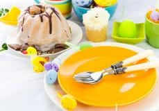 Расположение таблицы пасхи eggs помадки Стоковые Фото