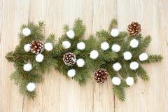 Расположение хворостин ели и шариков рождества Стоковая Фотография