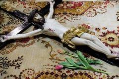Распятие перед усыпальницей ` s бога, собором Загреба Стоковые Фото