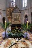 Распятие перед усыпальницей ` s бога, собором Загреба Стоковая Фотография