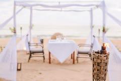 Расплывчатая романтичная установка обедающего Стоковое Изображение