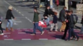 Расплывчатые пешеходы Промежуток времени (10) сток-видео