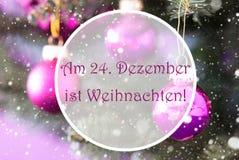 Расплывчатые шарики розового кварца, Weihnachten значат рождество Стоковая Фотография