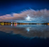 Рассветайте на озере, озере ночи сработанности стоковые изображения