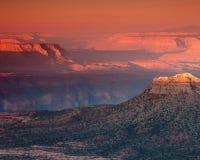 Рассвет в грандиозном каньоне Стоковое Изображение