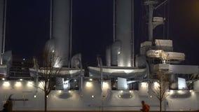 Рассвет крейсера в темноте акции видеоматериалы