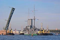 Рассвет крейсера отбуксировки Стоковая Фотография RF