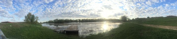 Рассвет на береге реки в России Стоковая Фотография RF