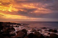 Рассвет на гаван фее, дороге Виктория, Австралии, большей океана, Виктория, Австралии стоковые фотографии rf