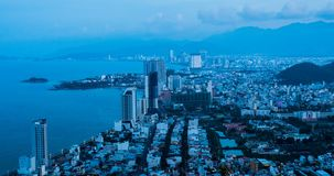 Рассвет на городе Nha Trang пляжа сток-видео