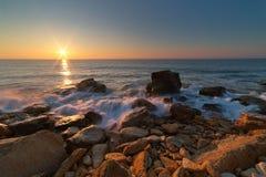 Рассвет над морем на долгой выдержке Стоковое Фото