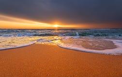 рассвет над морем рай природы элемента конструкции состава Стоковое Изображение RF