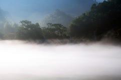 Рассвет на озере Dongjiang Стоковые Фотографии RF