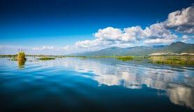 Рассвет на озере Inle Стоковые Фото