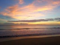 Рассвет на побережье сокровища Стоковые Изображения RF