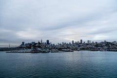 Рассвет над пристанями Сан-Франциско Стоковые Изображения