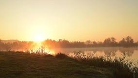Рассвет на timelapse озера видеоматериал