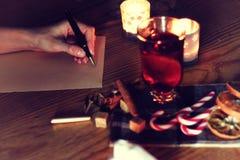 Рассказ сочинительства руки рождества Стоковая Фотография RF