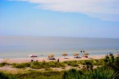 Расслабляющие дни на пляже стоковые изображения