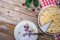 Расстегай вишни Предпосылка выпечки еды Стоковая Фотография RF