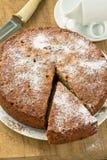 Расстегай грецкого ореха на деревянной доске Стоковое Изображение RF
