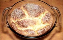 расстегай стекла тарелки сыра выпечки Стоковое Фото