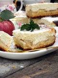 Расстегай с сыром и яблоками коттеджа Стоковое Изображение RF