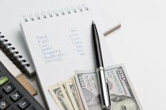 Расход, цена или концепция вычисления бюджета, список n сочинительства руки стоковое фото rf