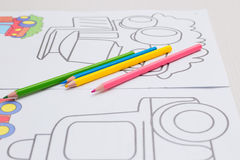 Расцветка с crayons для младенца Стоковые Изображения