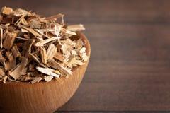 Расшива вербы травы найдена в природе и использована целебно для стоковые изображения