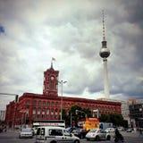 Ратуша Берлина и башня ТВ, Германия Стоковая Фотография