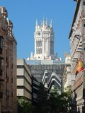 Ратуша Мадрида от парка El Retiro стоковые изображения rf