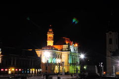 Ратуша transilvania Oradea в ноче Стоковое Изображение