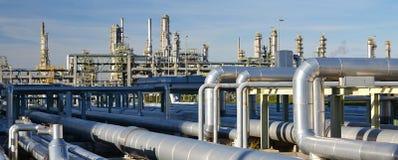 Рафинадный завод для продукции топлива - архитектура и здания Стоковые Фото
