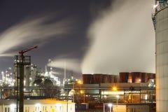 рафинадный завод завода ночи Стоковая Фотография
