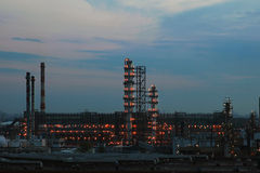 Рафинадный завод химии масла Стоковые Фотографии RF