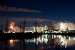 Рафинадный завод ORLEN нефти Стоковые Фото