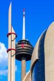 Радиовышка вызвала Colonius и современную исламскую мечеть в Кёльне, Германии стоковые изображения rf