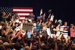 Ралли кампании по выборам президента Дональд Трамп первое в Фениксе Стоковые Изображения