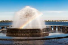 Радуга в фонтане Стоковые Изображения