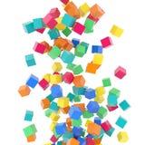 Радуга летания 3d покрасила кубы на белой предпосылке Стоковые Изображения RF