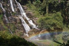 Радуга и водопад на горе Чиангмая Стоковое Изображение RF