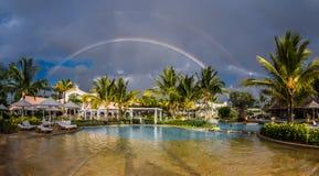Радуга над пляжем Маврикием сахара стоковая фотография rf