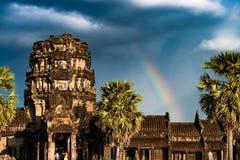 Радуга над Angkor Wat стоковые изображения rf