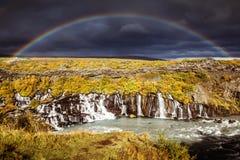 Радуга над Hraunfossar Стоковые Изображения RF
