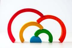 Радуга, пестротканая деревянная игрушка eco На белизне Стоковые Фотографии RF